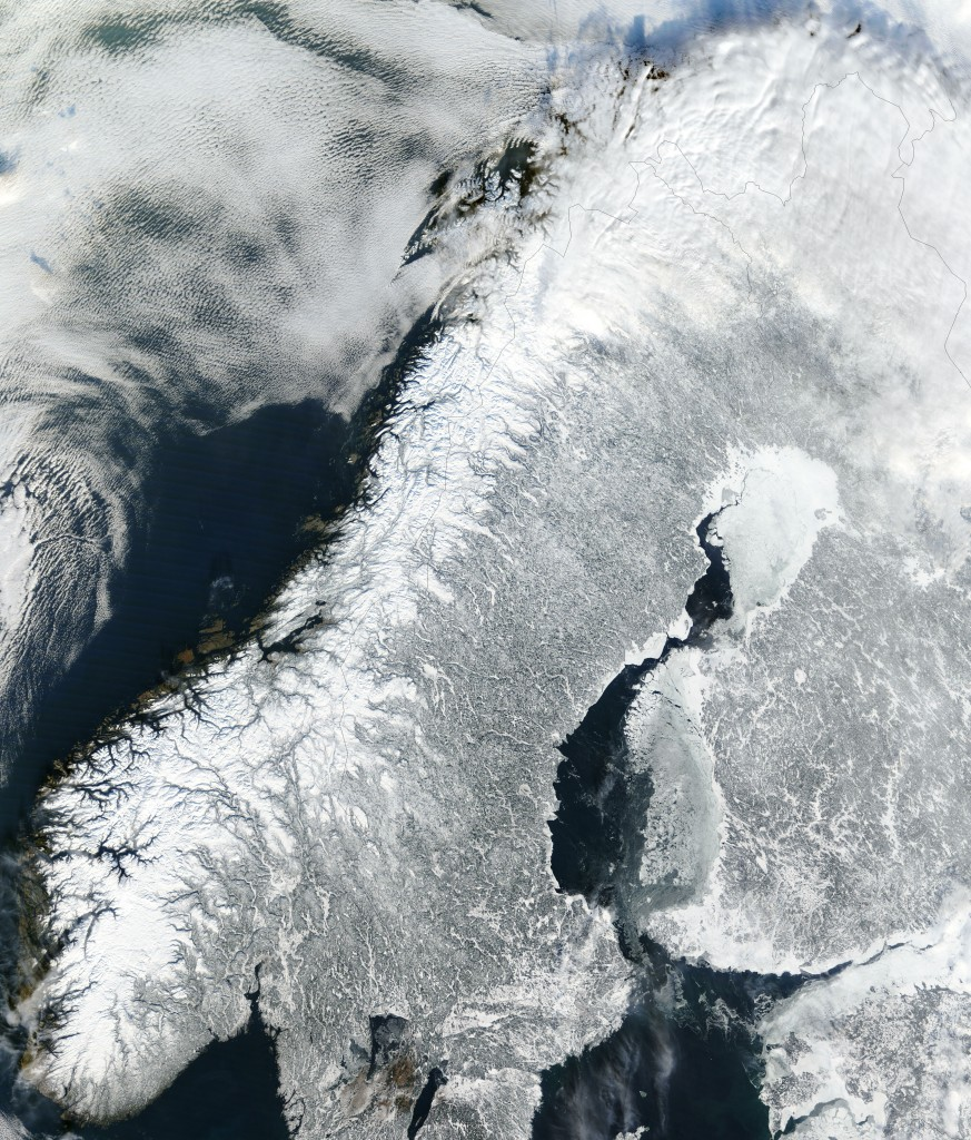 Satellite_image_of_Norway_in_February_2003